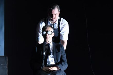 Samuel Beckett: Konec igre / Na fotografiji: Igor Samobor in Jurij Zrnec Foto: Peter Uhan