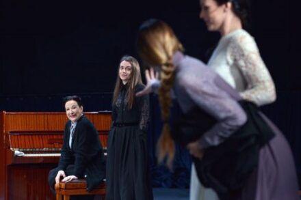 Na fotografiji: Polona Vetrih, Nina Ivanišin, Alida Bevk in Tina Vrbnjak Foto: Peter Uhan